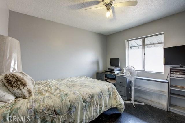 11333 Farndon Street, South El Monte CA: http://media.crmls.org/medias/3561348a-fefe-48fb-bcb4-3fdd4b611898.jpg