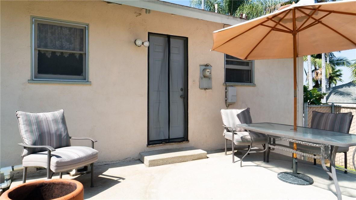 790 S Spanish Oak Lane, La Puente CA: http://media.crmls.org/medias/356d6bda-c08d-4eb9-837a-bc606e5a239b.jpg