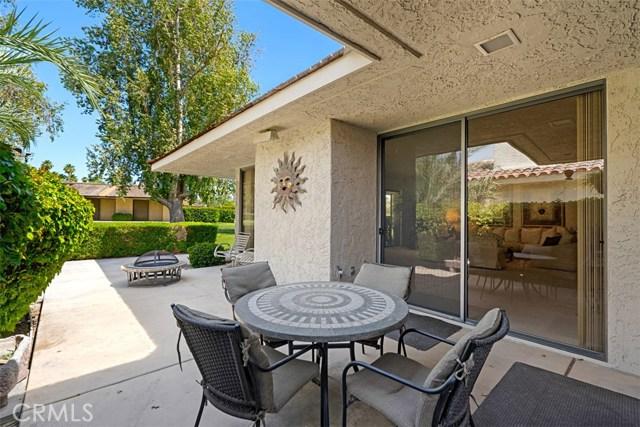 42 Lafayette Drive, Rancho Mirage CA: http://media.crmls.org/medias/356daa4d-027b-4d68-a3db-b3e3b58b7cb0.jpg