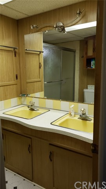 12220 5th St., Yucaipa CA: http://media.crmls.org/medias/356ff981-06af-47a3-a535-050a6cd52f32.jpg