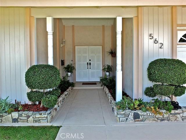 562 E Kenbridge Drive, Carson CA: http://media.crmls.org/medias/3575c5e0-ee13-4e1f-aa1a-adc7f5906fea.jpg