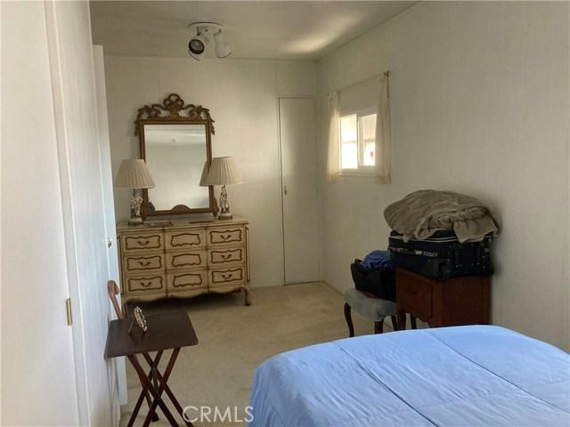 305 N Jade Cove, Long Beach CA: http://media.crmls.org/medias/357f1aec-b92b-4dd6-afbb-d3d1a9c99ec2.jpg