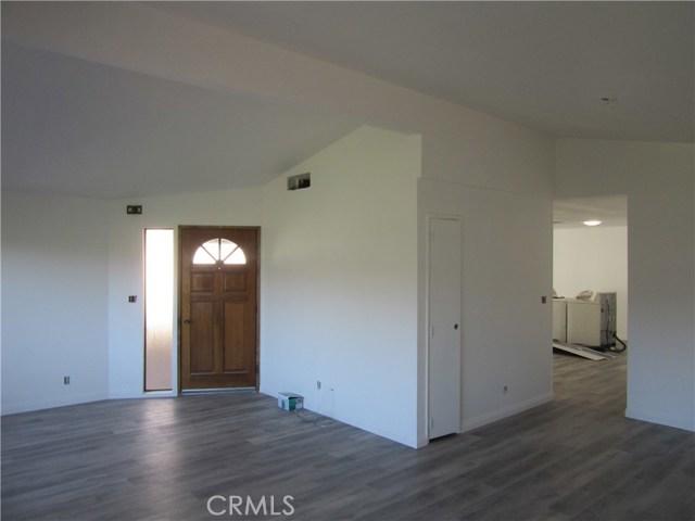 4650 Dulin Road, Fallbrook CA: http://media.crmls.org/medias/35857169-8807-4588-a5eb-29dd5fbe1fd5.jpg