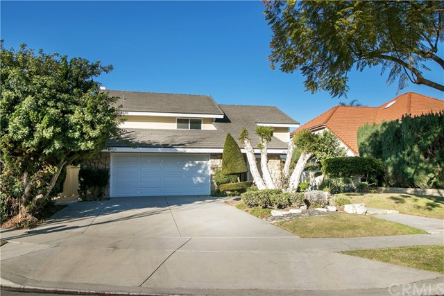 Casa Unifamiliar por un Venta en 19133 Holmbury Avenue Cerritos, California 90703 Estados Unidos