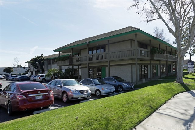 222 N Mountain Avenue, Upland CA: http://media.crmls.org/medias/358ed419-2ce6-47d1-a5ce-edbad5ceaa49.jpg