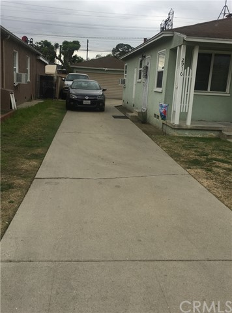 2916 E Thompson St, Long Beach, CA 90805 Photo 1