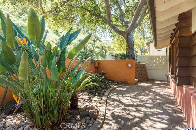 3480 Linda Vista Road, Glendale CA: http://media.crmls.org/medias/35a0544c-a42d-406d-b5d3-6fa3f3509648.jpg