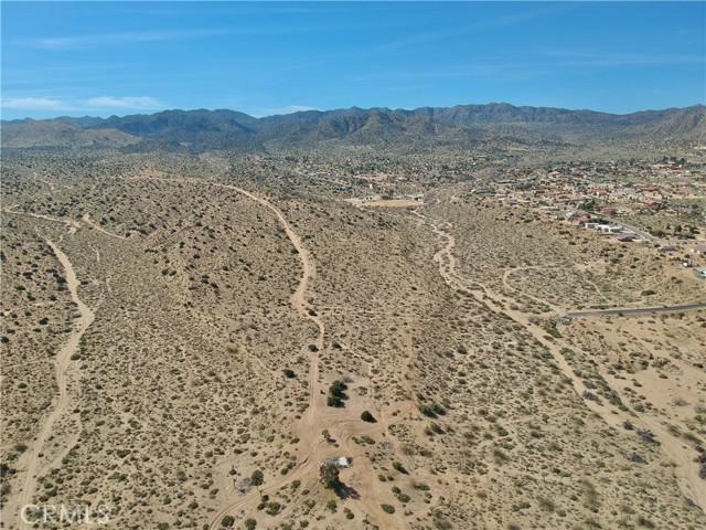 1234 Indio Avenue, Yucca Valley CA: http://media.crmls.org/medias/35a692b4-f642-4a06-84c6-e5d09e443acc.jpg