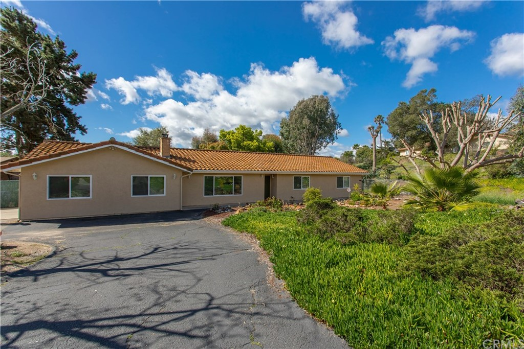 1241 Joy Road, Fallbrook, CA 92028