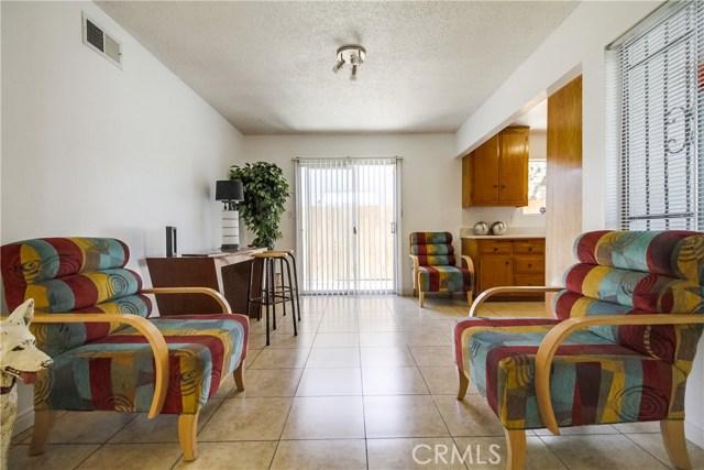 9009 Oneida Avenue, Sun Valley CA: http://media.crmls.org/medias/35b416e4-dd76-4f8e-b143-5b0a04490035.jpg