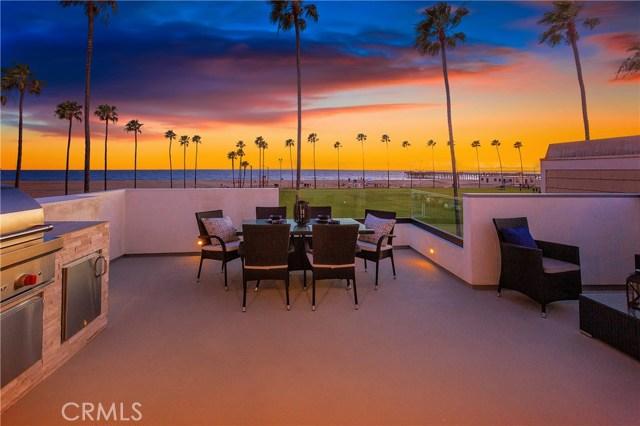 924 E Oceanfront  Newport Beach CA 92661