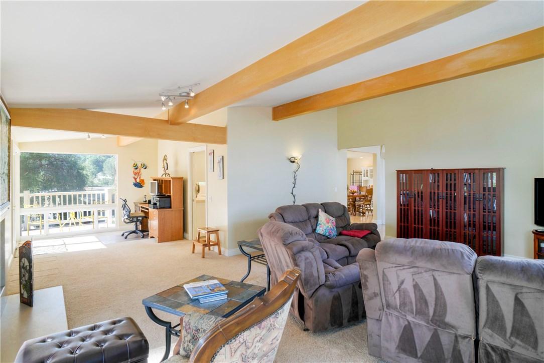 18 Ranchview Road, Rolling Hills Estates CA: http://media.crmls.org/medias/35e8a503-cd62-477c-85ba-6a4ae3c82437.jpg