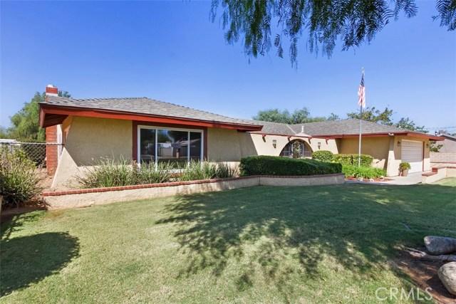 16275 Porter Avenue, Riverside CA: http://media.crmls.org/medias/35e95794-97c0-4c5b-bc20-68ddd18be817.jpg