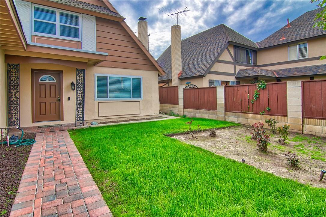 124 W Simmons Av, Anaheim, CA 92802 Photo 2