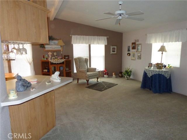 1251 E Lugonia Avenue, Redlands CA: http://media.crmls.org/medias/35f14e6b-eeb7-48de-8aa1-6d04ce90c7f1.jpg
