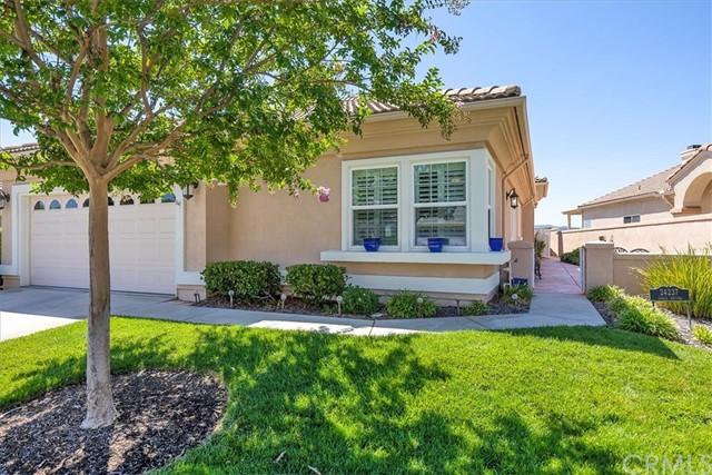 Detail Gallery Image 1 of 42 For 24237 Calle Artino, Murrieta, CA 92562 - 3 Beds | 2 Baths