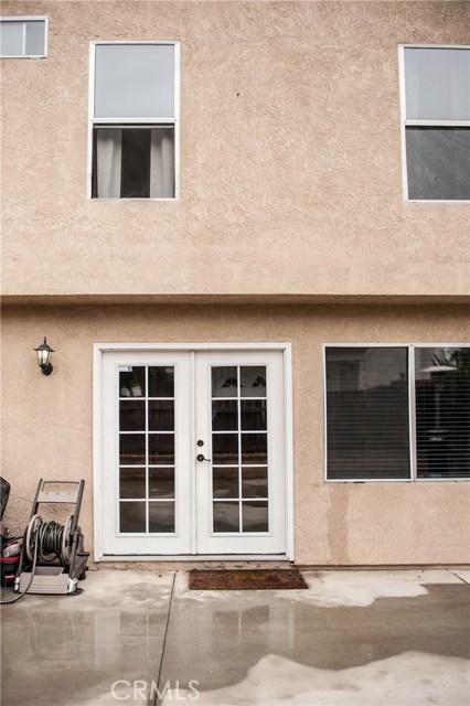 28570 Village Lakes Road, Highland, CA 92346, photo 7