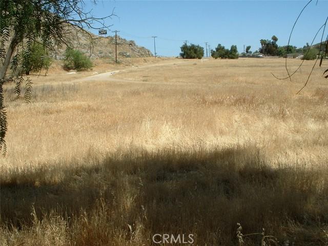 0 melba Avenue, Homeland CA: http://media.crmls.org/medias/35f94973-7430-4540-9528-5a48407a3e0b.jpg