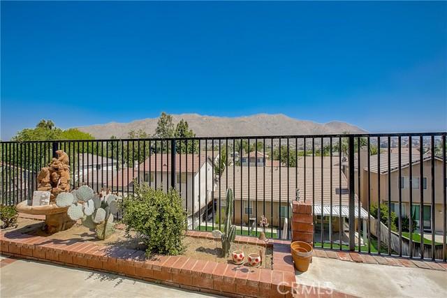 5678 Allendale Drive, Riverside CA: http://media.crmls.org/medias/36107281-38ca-4d68-ab1c-1f83a6b08f80.jpg