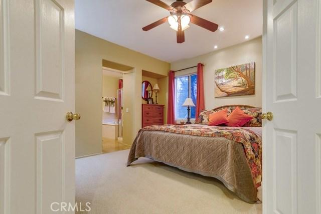 598 Redondo Lane, Corona CA: http://media.crmls.org/medias/3613836d-c9a9-4ee9-a8c0-09b8542823d1.jpg