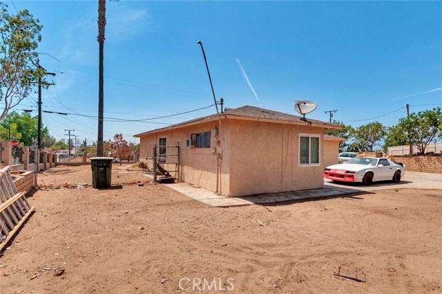 5198 Cedar Street, Riverside CA: http://media.crmls.org/medias/36150378-1913-45d7-b095-195b2e2e95be.jpg