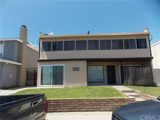 1209 Beryl, Redondo Beach, California 90277, ,Residential Income,For Sale,Beryl,SB19118644