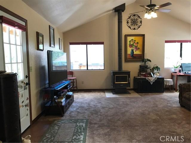 39900 LAKEVIEW Drive, Big Bear CA: http://media.crmls.org/medias/3618646d-bb4d-4a92-99cc-149e0c1ad61b.jpg