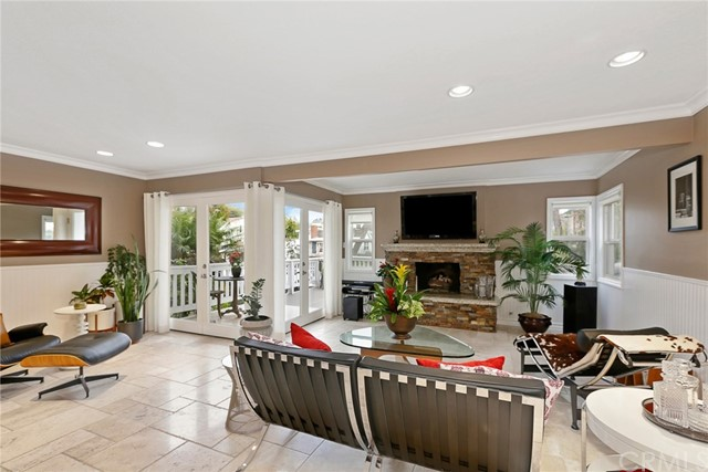 Photo of 609 Iris Ave, Corona del Mar, CA 92625