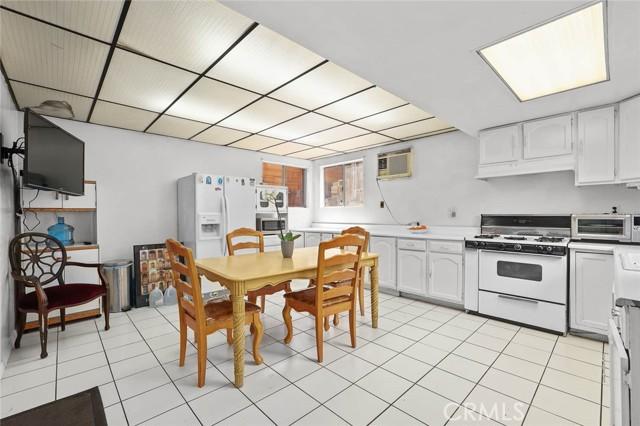 5682 ALDAMA Street, Highland Park CA: http://media.crmls.org/medias/36241c53-fb18-4ac3-a296-ddf4b06a003d.jpg
