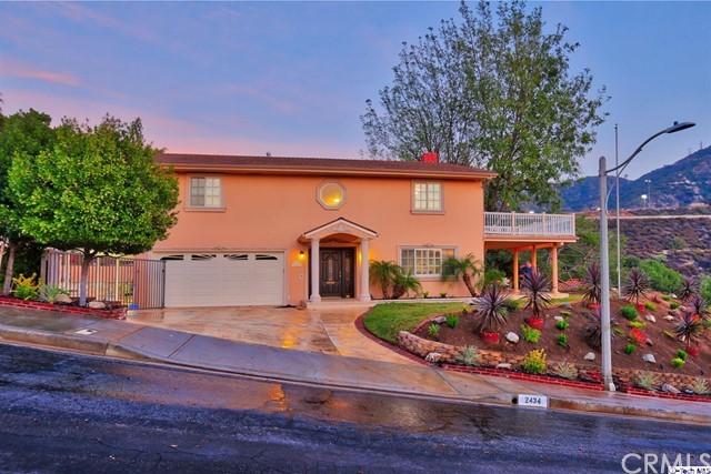 Single Family Home for Sale at 2434 Delisle Court 2434 Delisle Court Glendale, California 91208 United States