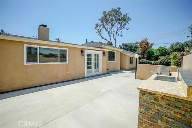 10305 Starca Avenue, Whittier CA: http://media.crmls.org/medias/36383f0c-abbd-4c70-af83-a4f94b591e86.jpg