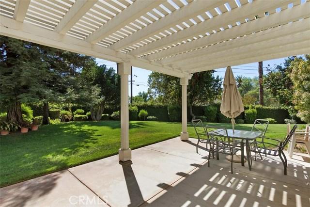 1523 Kohler Court, Riverside CA: http://media.crmls.org/medias/364d560c-9884-4da0-990c-dcdd6db99a60.jpg