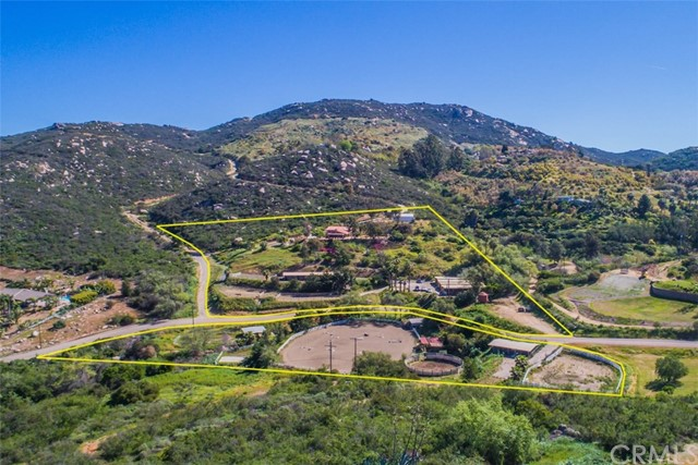 Single Family Home for Sale at 3725 Camino Mayor San Marcos, California 92069 United States