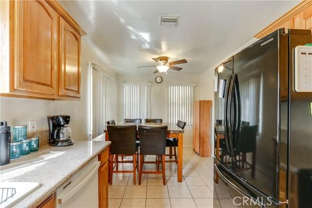 230 S 3rd Avenue, Upland CA: http://media.crmls.org/medias/365a70f3-ef43-4514-a9a8-52d3efb951f3.jpg