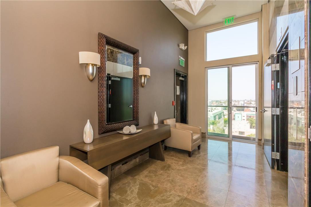 702 S SERRANO Avenue, Los Angeles CA: http://media.crmls.org/medias/367ab513-738c-4365-9440-1d072488357f.jpg