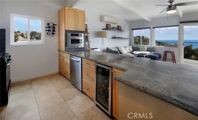 1490 Del Mar Avenue, Laguna Beach CA: http://media.crmls.org/medias/3692a5cc-bd61-4b74-9867-9591ecb6eaa7.jpg