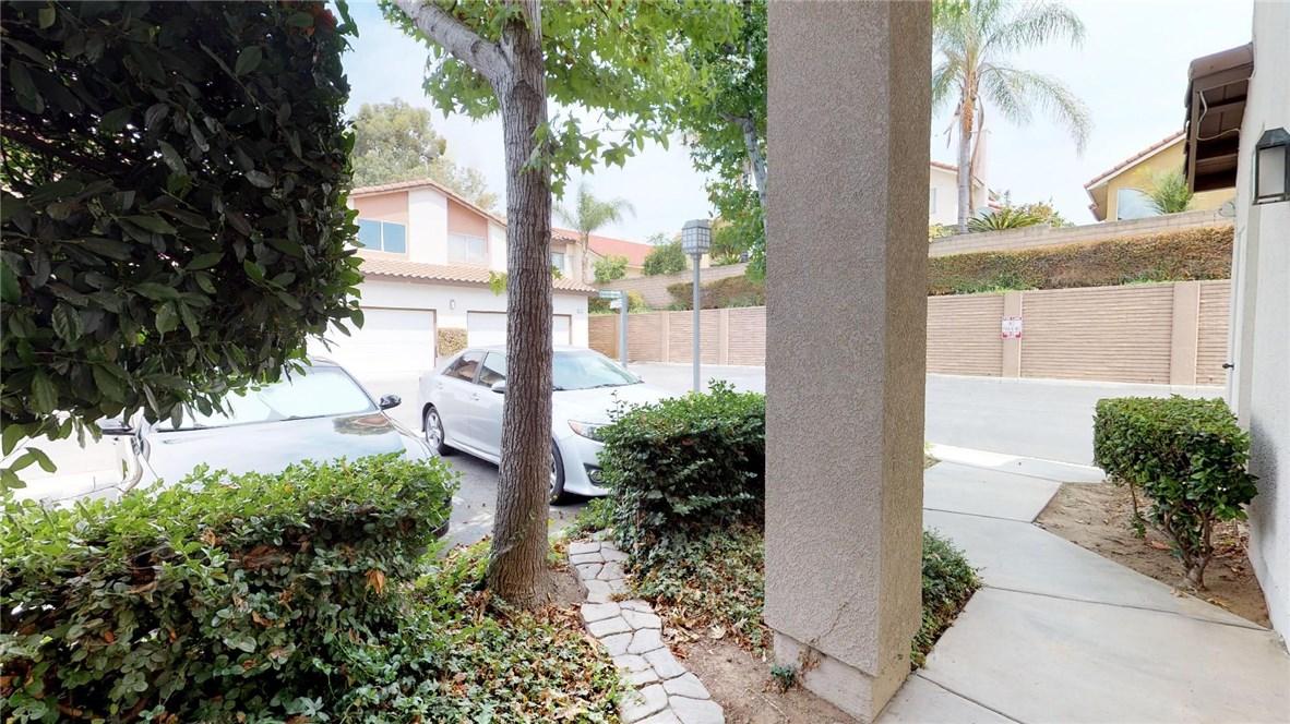 13025 Via Antibes, Riverside CA: http://media.crmls.org/medias/36962a4c-2419-4ee1-89fd-5c98724b3a8b.jpg
