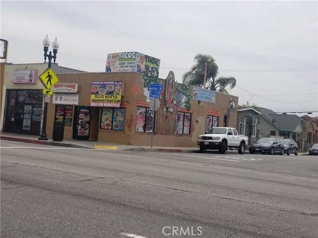 5000 Whittier Bl, East Los Angeles CA: http://media.crmls.org/medias/369fe6b1-5038-49ea-9776-894a122c9125.jpg