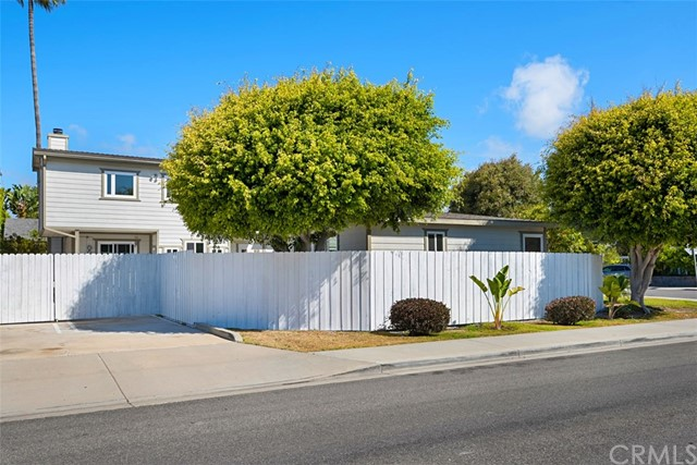 397 La Perle Lane Costa Mesa, CA 92627 - MLS #: OC18163818