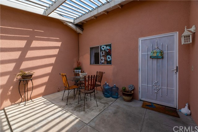 6562 Paris Circle, Huntington Beach CA: http://media.crmls.org/medias/36a5e0cf-e7df-4dfb-9ea1-64a2cba62739.jpg