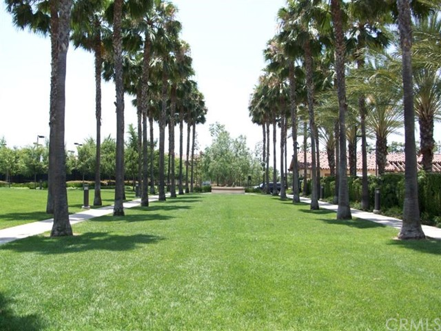 107 Waterman, Irvine CA: http://media.crmls.org/medias/36b93e61-a050-4b95-8af4-d34dbc17df6d.jpg