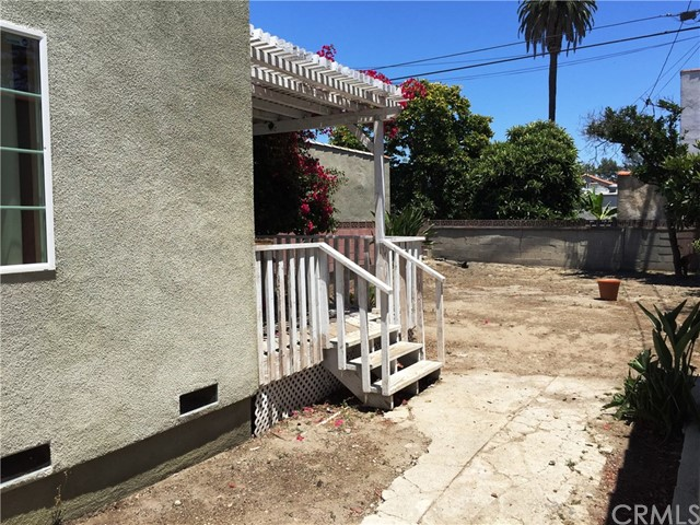 3010 BRONSON AVE S Avenue, Los Angeles CA: http://media.crmls.org/medias/36dc754d-fc92-4d93-b93c-38d906f2d75a.jpg