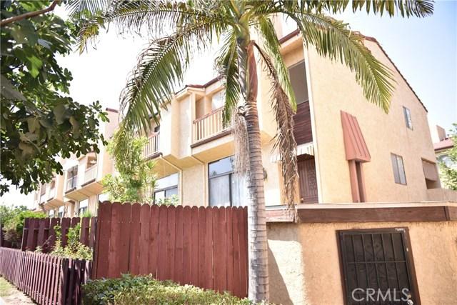 230 N Sierra Vista Street, Monterey Park CA: http://media.crmls.org/medias/36dcee39-3027-4ff8-a813-78139ad4d2dd.jpg