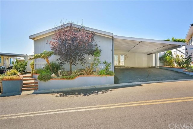 2275 W 25th, San Pedro, California 90732, 3 Bedrooms Bedrooms, ,1 BathroomBathrooms,For Sale,W 25th,PV18298113
