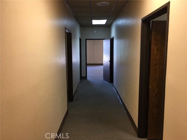 4590 Riverside Drive, Chino CA: http://media.crmls.org/medias/36e36ea5-49f3-4a6b-a91d-4719d8937d5d.jpg