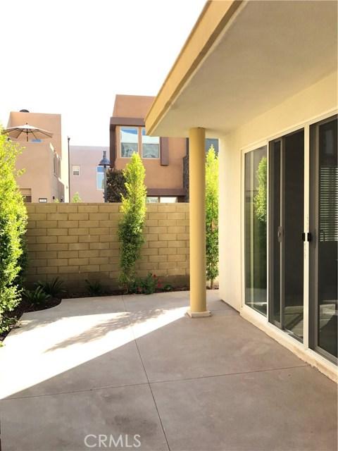 134 Newall, Irvine CA: http://media.crmls.org/medias/36f0ed5d-c095-4d15-8440-1ba302ceb6a3.jpg