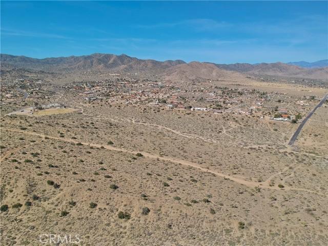 1234 Indio Avenue, Yucca Valley CA: http://media.crmls.org/medias/36f5d9d7-5cdb-45a2-86e6-384a24ca859f.jpg