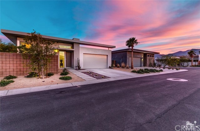 4650 Kellogg Way Palm Springs, CA 92262 is listed for sale as MLS Listing 216032502DA