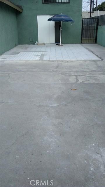 3205 Seminole Avenue, South Gate CA: http://media.crmls.org/medias/370eb235-aaef-483a-9a65-78f2f97db7b3.jpg