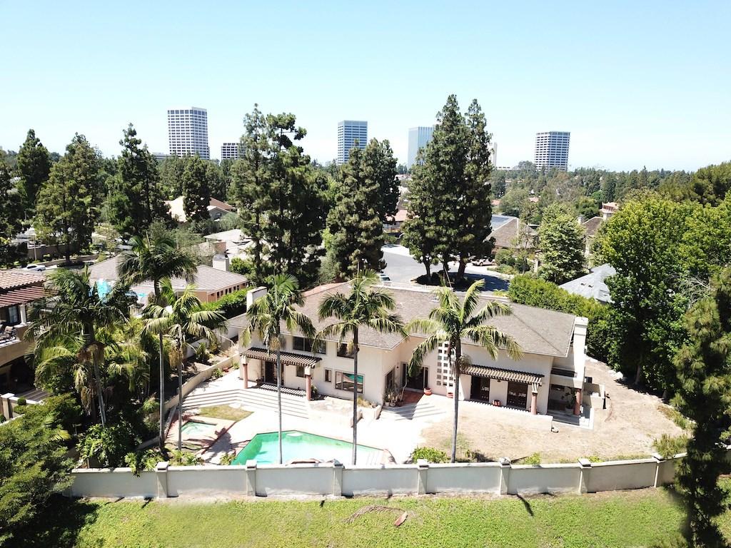 76 Hillcrest Lane Newport Beach, CA 92660